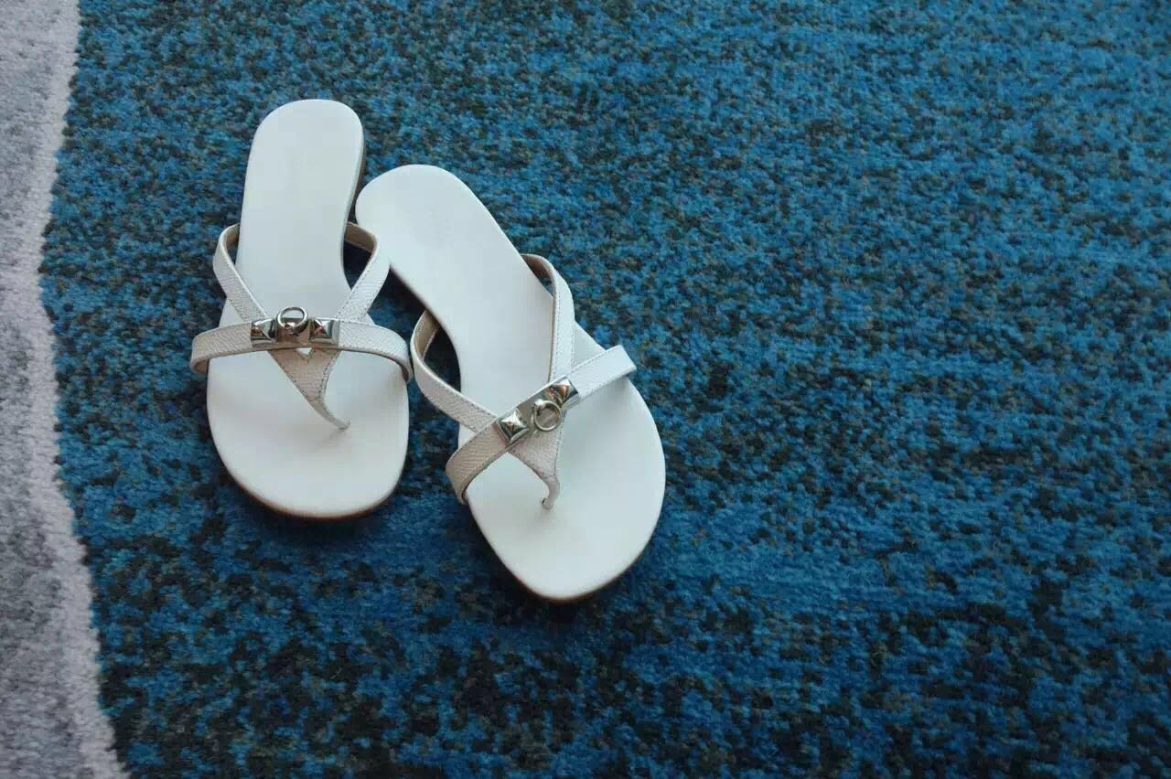 Qingchunhuangtang@ Flip Flops Mit Flip Flip Flip Flops Auf Dem Flachen Boden des Strand da3d12