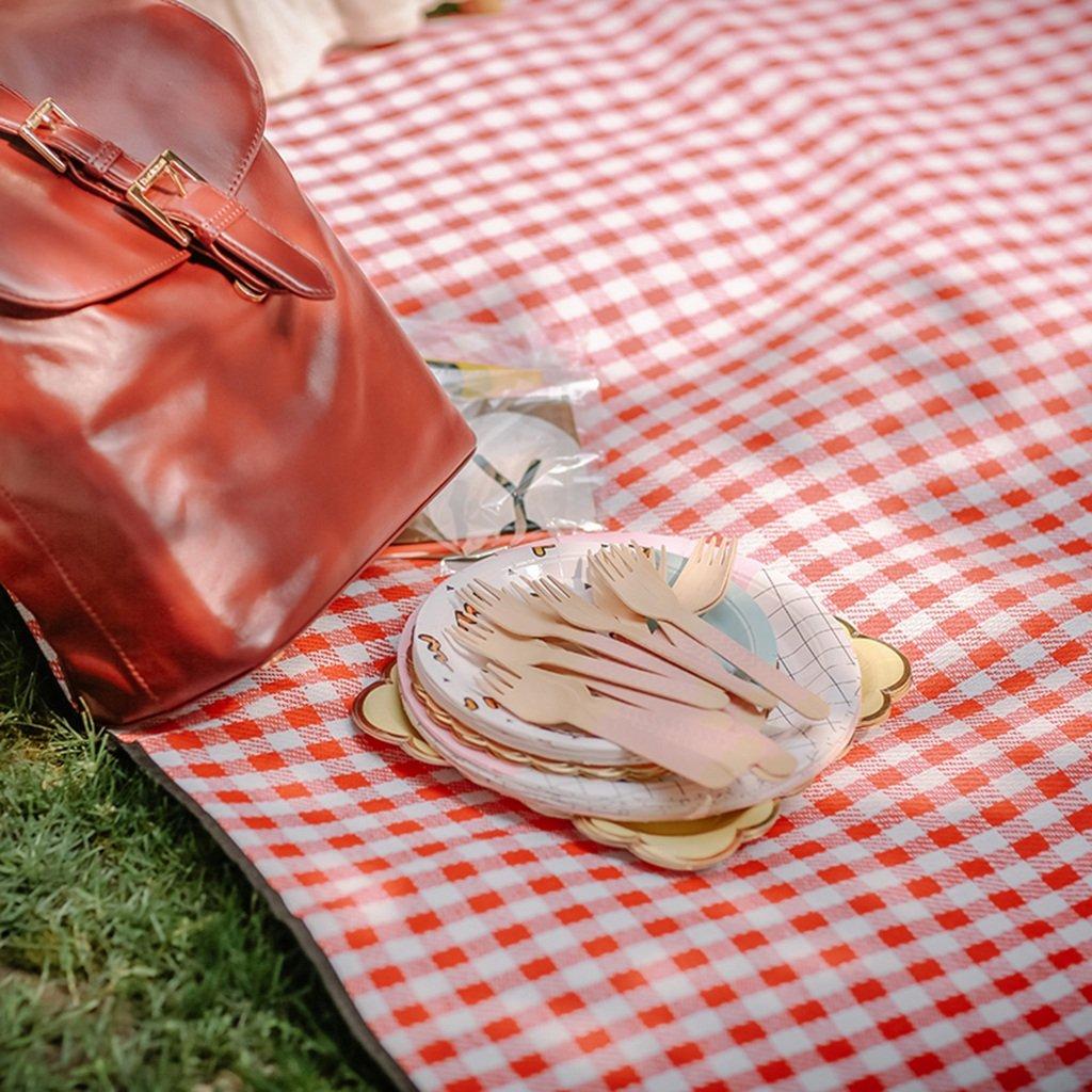 ZXLDP Picknickdecken rot and Weiß Grid Picknickmatten Wasserdichte Feuchtigkeitsauflage Feuchtigkeitsauflage Feuchtigkeitsauflage Schwamm Gefüllt Multi-Größe Zelt Zubehör B0736YJR3J | Ausgezeichnetes Preis  b2b7a7