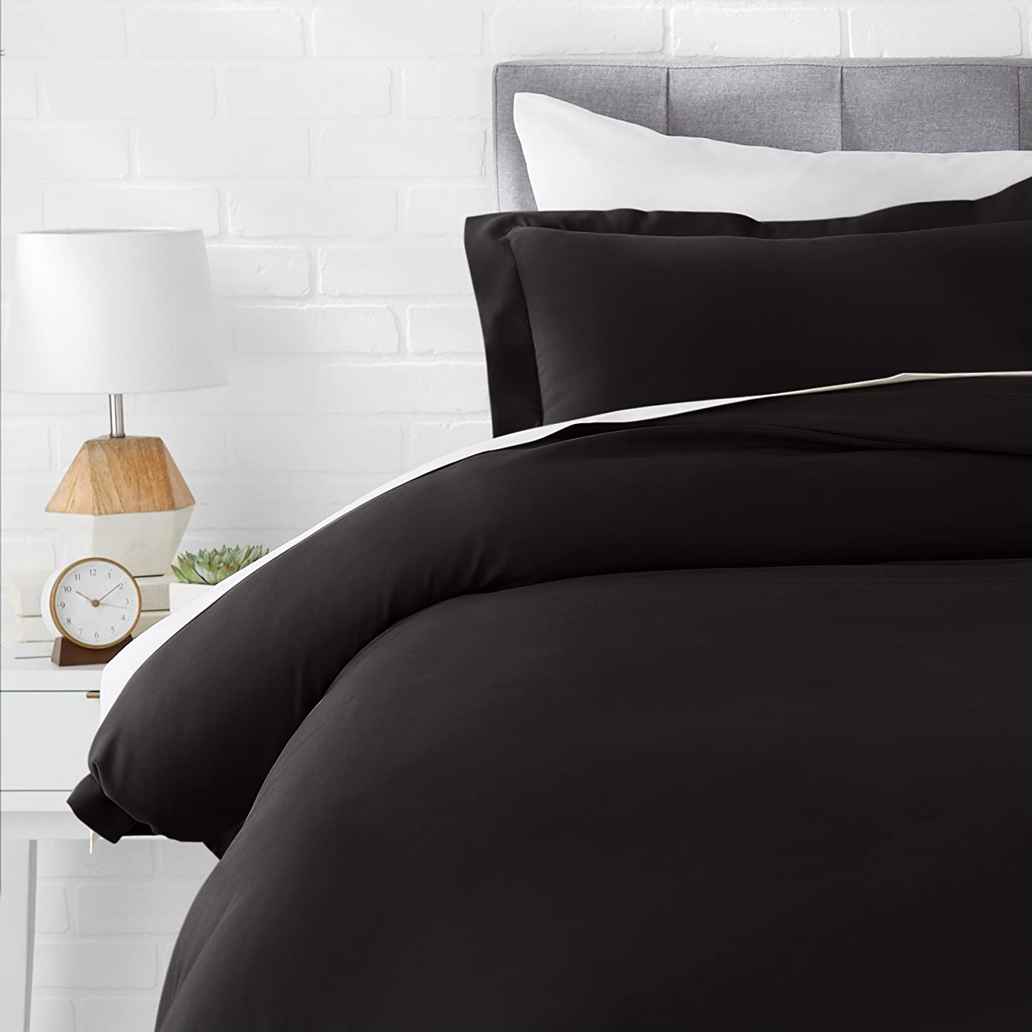 AmazonBasics Microfiber Duvet Cover Set - Lightweight and Soft - Twin/Twin XL, Black