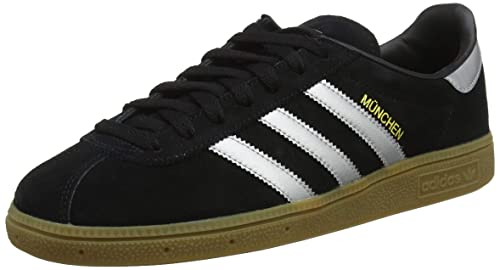 cheap for discount 076ad 947e5 adidas Men s Munchen Fitness Shoes