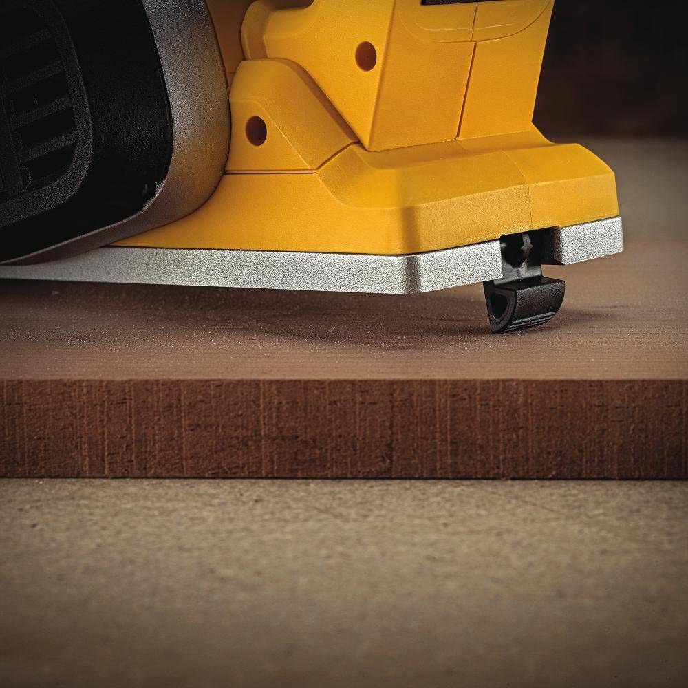 DEWALT DCP580B Electric Hand Planers product image 5