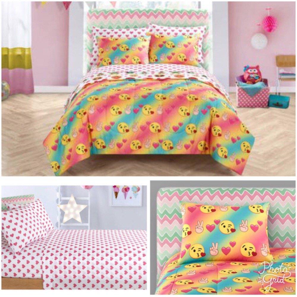 Emoji Kids 5 Piece Twin Comforter Bedding Set