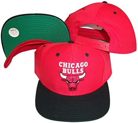 4cfb1f4d70e Amazon.com   Chicago Bulls Red Black Two Tone Snapback Adjustable ...
