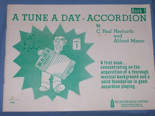 A Tune A Day Accordion Book 1 PDF