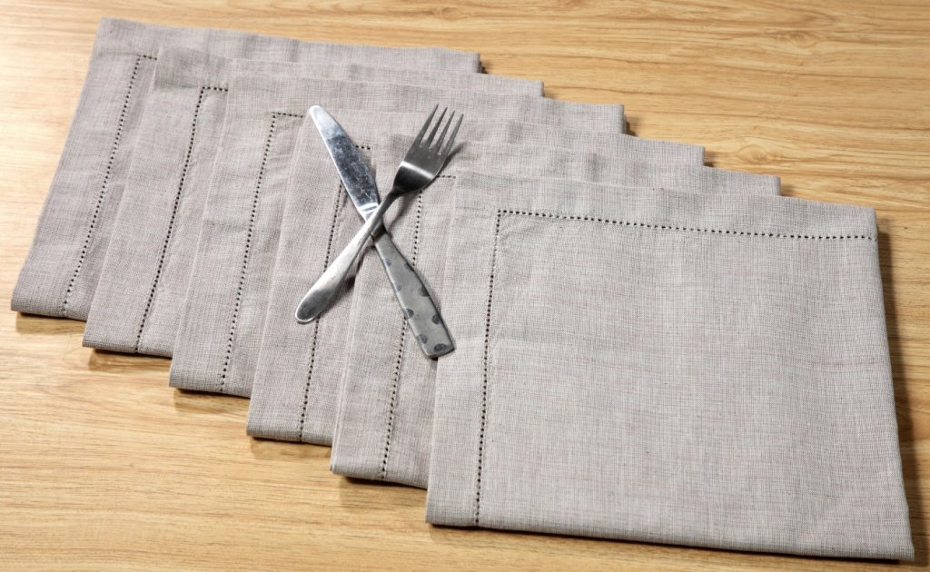 Linen Clubs 6Pack Textured Cotton Chambray Hemstitched Napkins-20x20 Beige//White