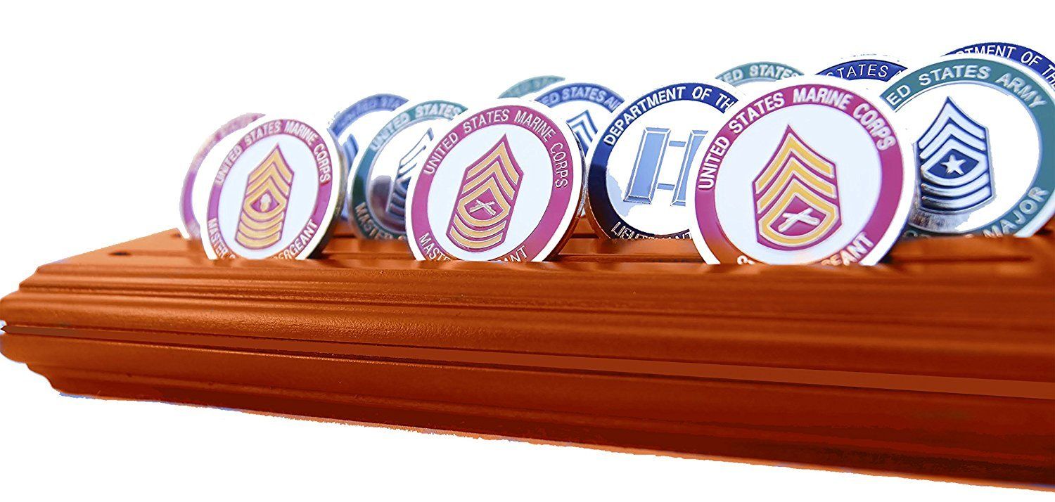 Very Good DECOMIL 4 Rows Medium Coin/& Poker Chips Display Holder USED