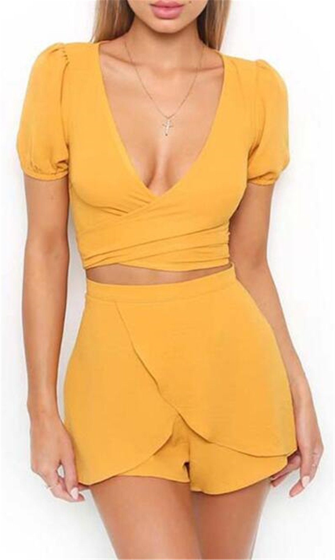 Women's 2 Piece Solid Color Short Sleeve Crop Top with Shorts Set Size M (Yellow)