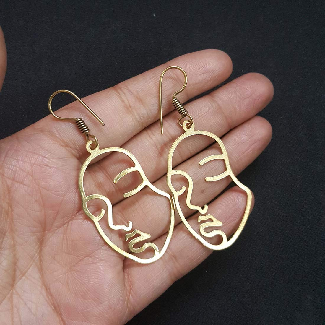 Face Earring Set of 2 Pairs Gold Tone Hypoallergenic Earrings for Girls Teens Women Earrings Including Hollow Face Hand Shape Gold Statement Earrings jaipri