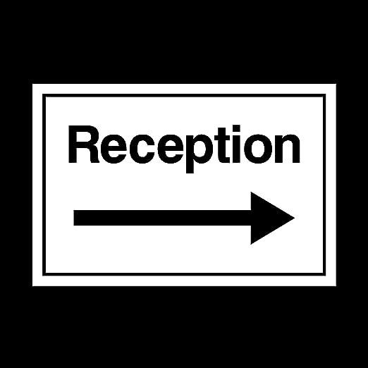 Recepción con señal flecha derecha muestra plástica ...