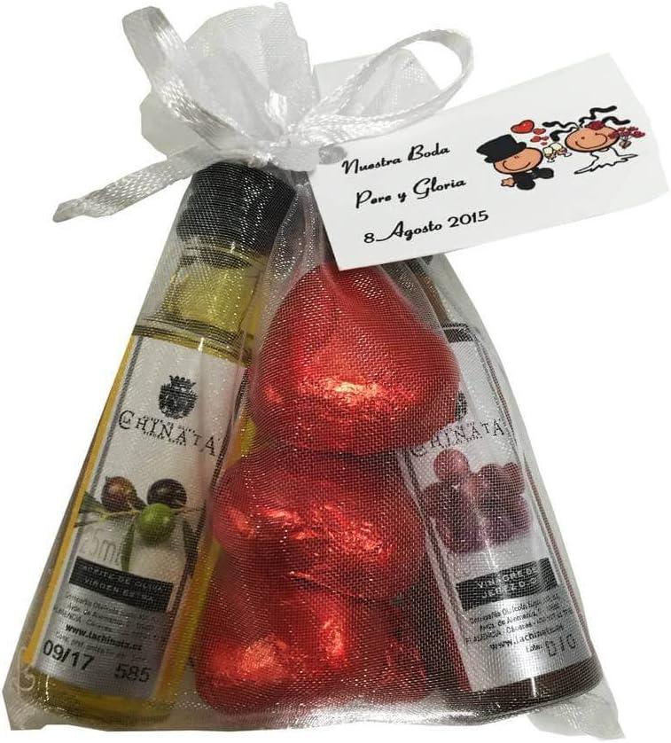 Regalo para bodas con miniaturas de Aceite de Oliva y Vinagre de Jerez D.O. con bombones corazón de chocolate en bolsa de organza (Pack 24 ud)