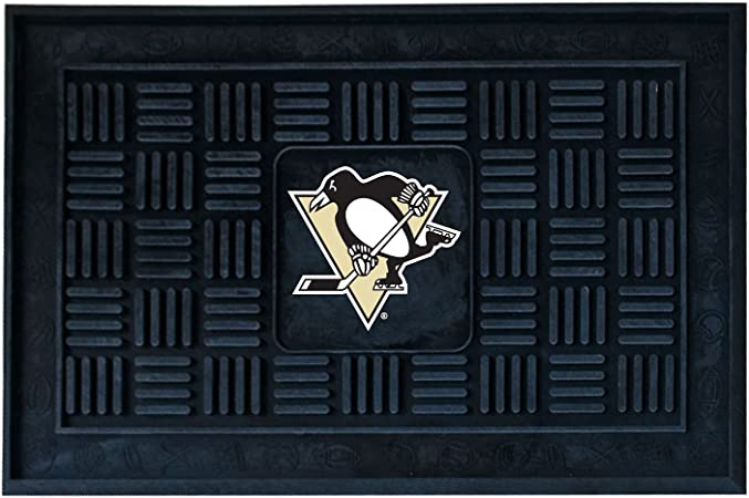 Amazon Com Nhl Pittsburgh 19 X 30 Penguins Medallion Door Mat Garden Outdoor