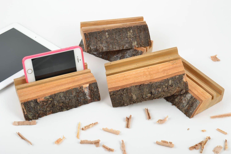 Set Of 5 Handmade Designer Desktop Wooden Phone Holders For Family