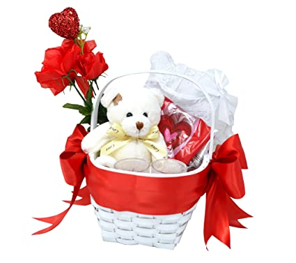 Sexy gift basket ideas for her