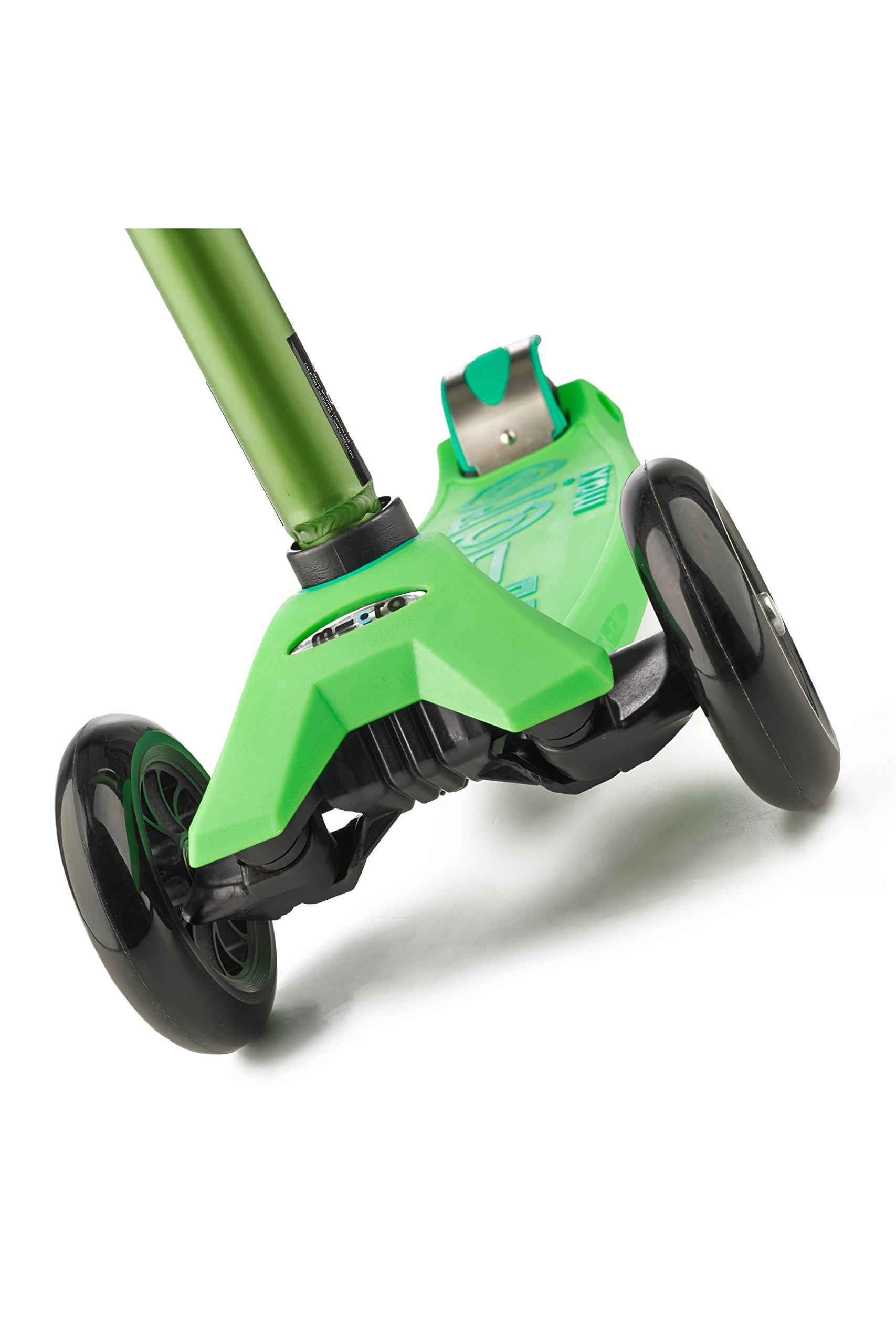 Micro Maxi Deluxe Kick Scooters (Green) by Micro Kickboard (Image #10)