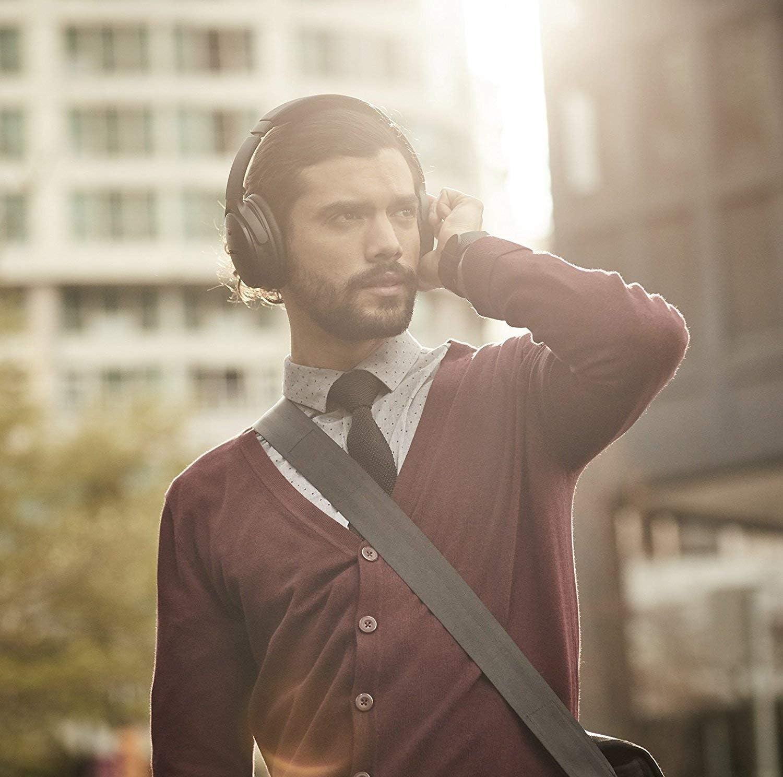 Bose Quiet Comfort 35 ( Series II ) Wireless Headphones, Noise Cancelling