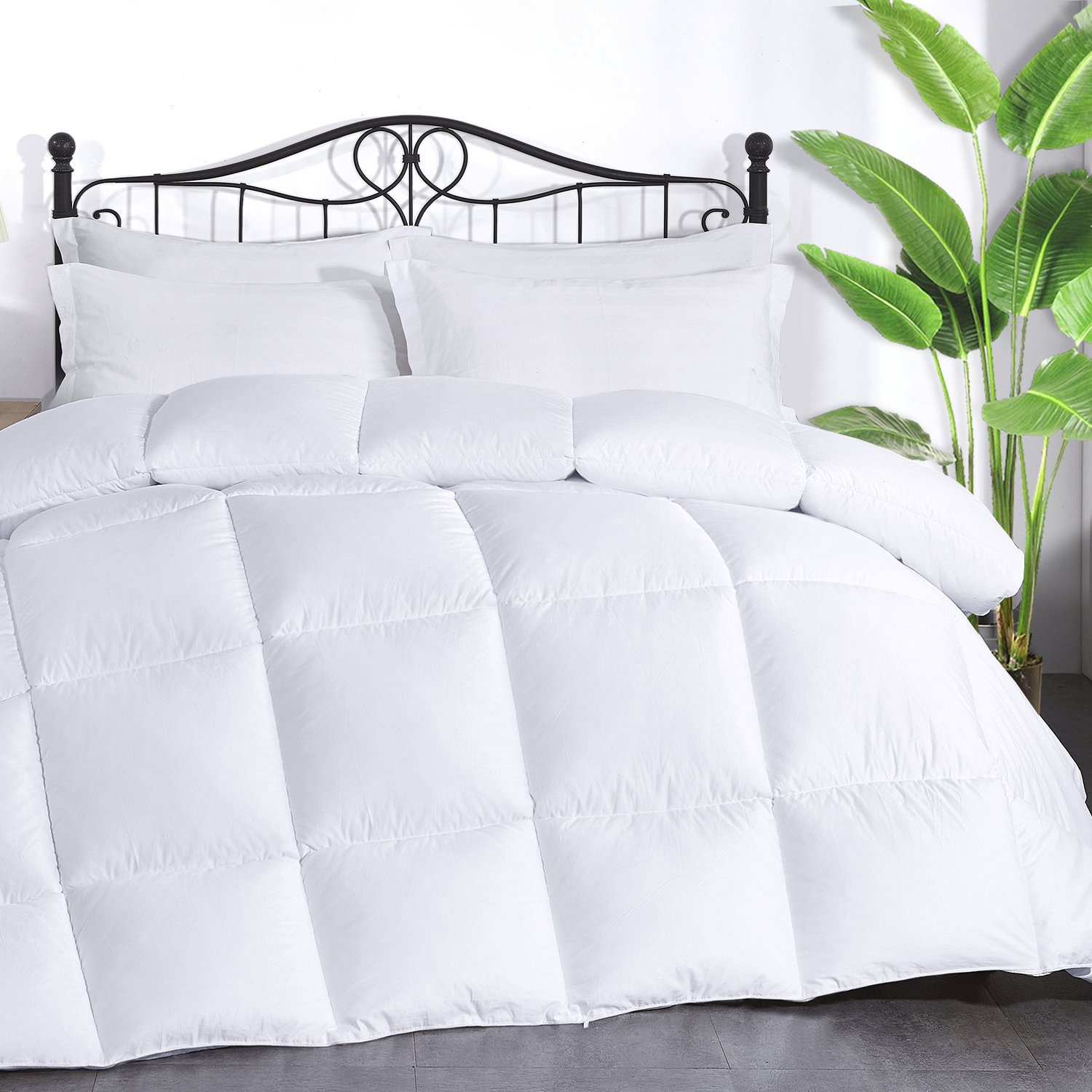 Brermer Soft Queen Goose Down Alternative Comforter, All Seasons Puffy Warm Duvet Insert with 8 Corner Tabs, Luxury Reversible Hotel Collection, 90''x 90'', White