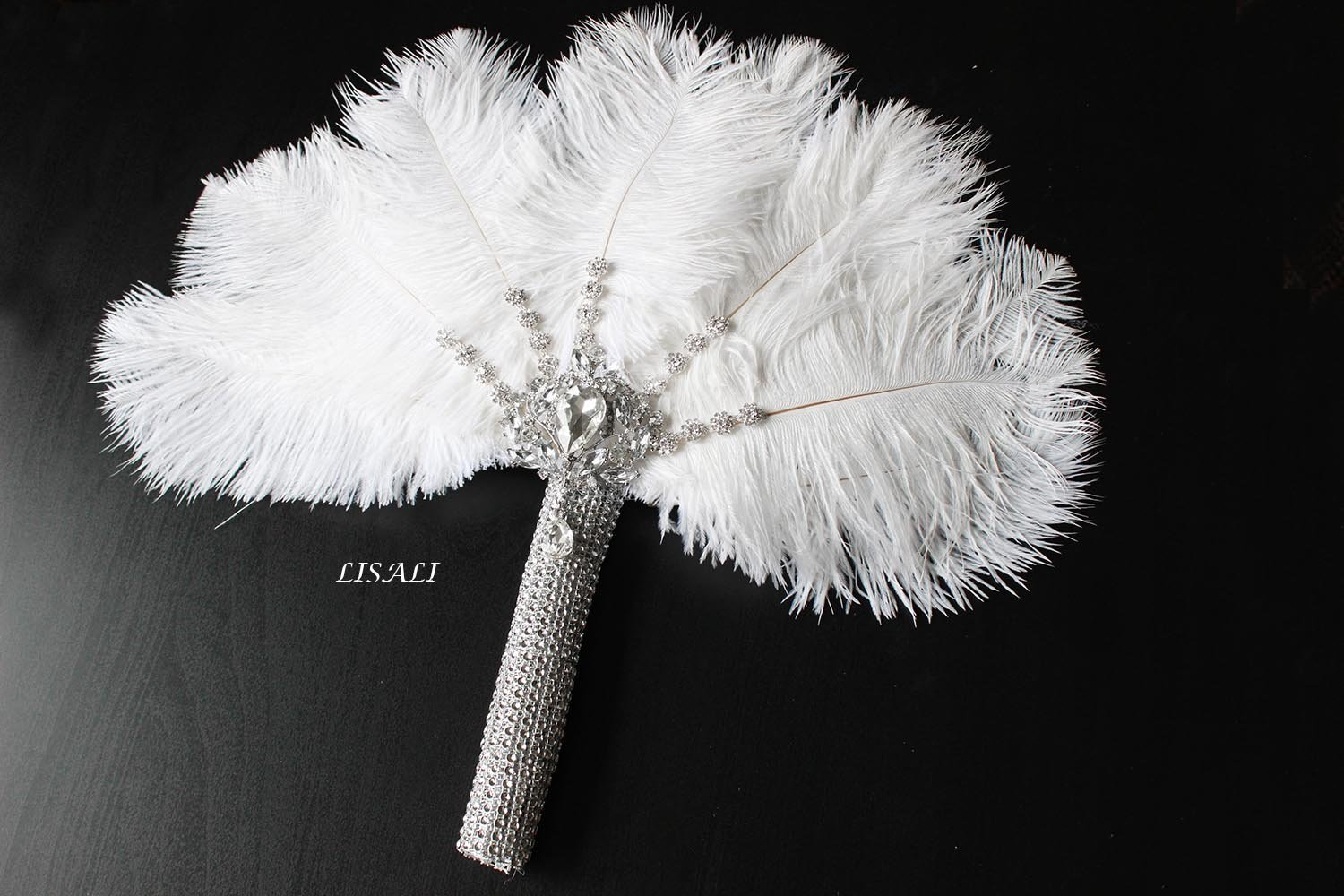 LISALI Bling Bling Bride Feather Bouquet Feather Fan Bridal Fan Peacock Handfasting 20s Great Gatsby Vintage Brooch Bouquet