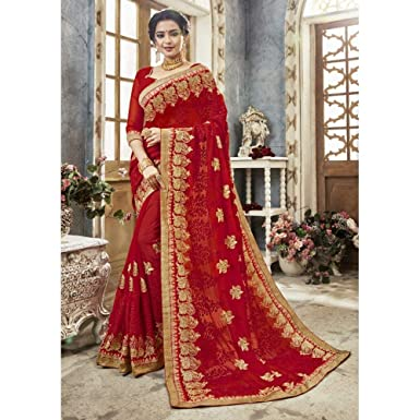 a2d0388b1be Amazon.com  Triveni Embroidered Faux Georgette Red Saree for Women  Clothing
