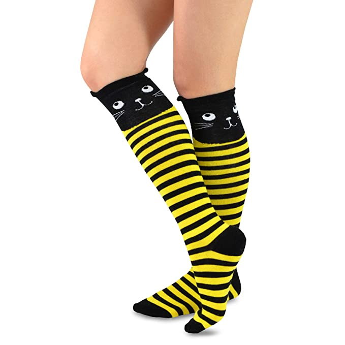 fa1b29e2011 TeeHee Novelty Cotton Knee High Fun Socks 5-Pack for Women (Cats) at Amazon  Women s Clothing store