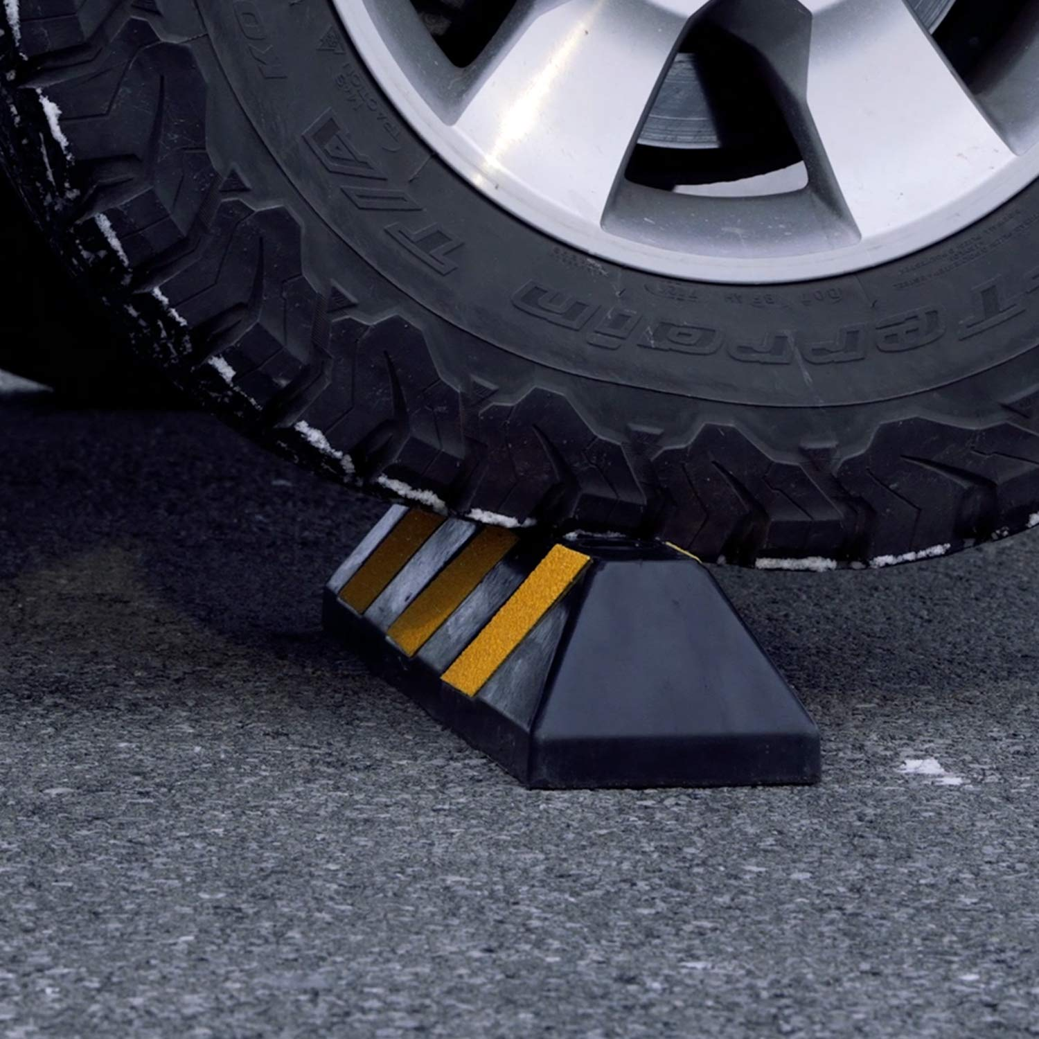 Fullstop Vehicle Parking Block, Black Commercial Heavy Duty Rubber Curb with 4 ScatterGlass Reflective Yellow Targets for Car, Truck, RV and Trailer Stop Aid, 22 Inches Long x 4 Inches High by Fullstop (Image #4)