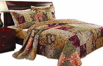Amazon com  Greenland Home Antique Chic King Quilt Set  Home   Kitchen Greenland Home Antique Chic King Quilt Set. Bedroom Quilts. Home Design Ideas