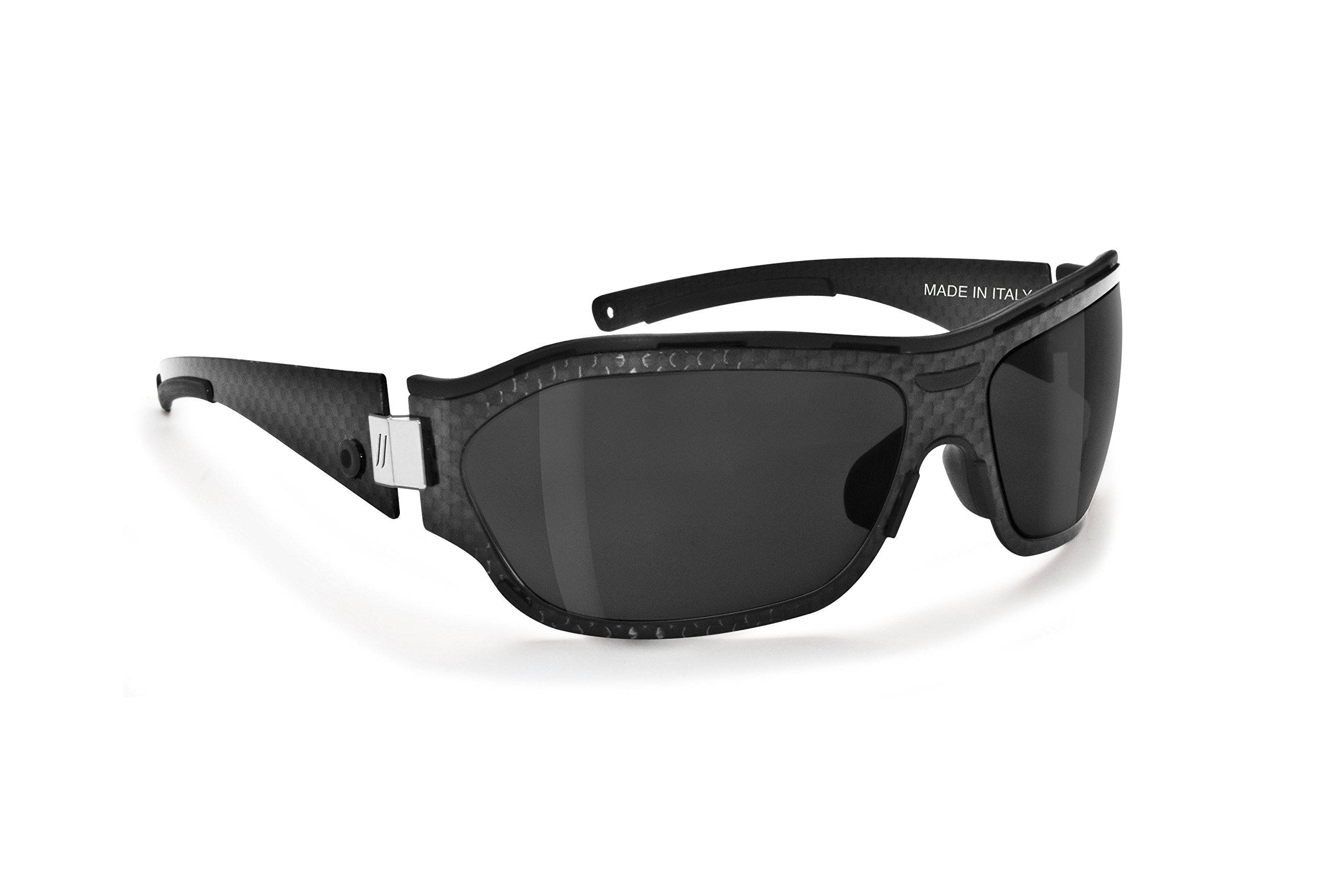 Polarized sunglasses made in real carbon handmade in Italy by Bertoni iWear