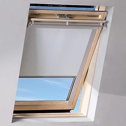 Velux Tende Oscuranti.Sol Royal Tenda A Rullo Oscurante Per Finestre Velux Solreflect D12 Effetto Termico Isolante 117x116cm U08 808 8 Bianco
