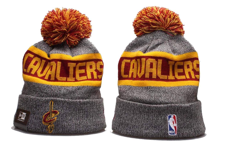 fb8d714ce4b Amazon.com   New Era NBA Sport Knit Beanie Hat Winter Cap(Chicago Bulls)    Sports   Outdoors