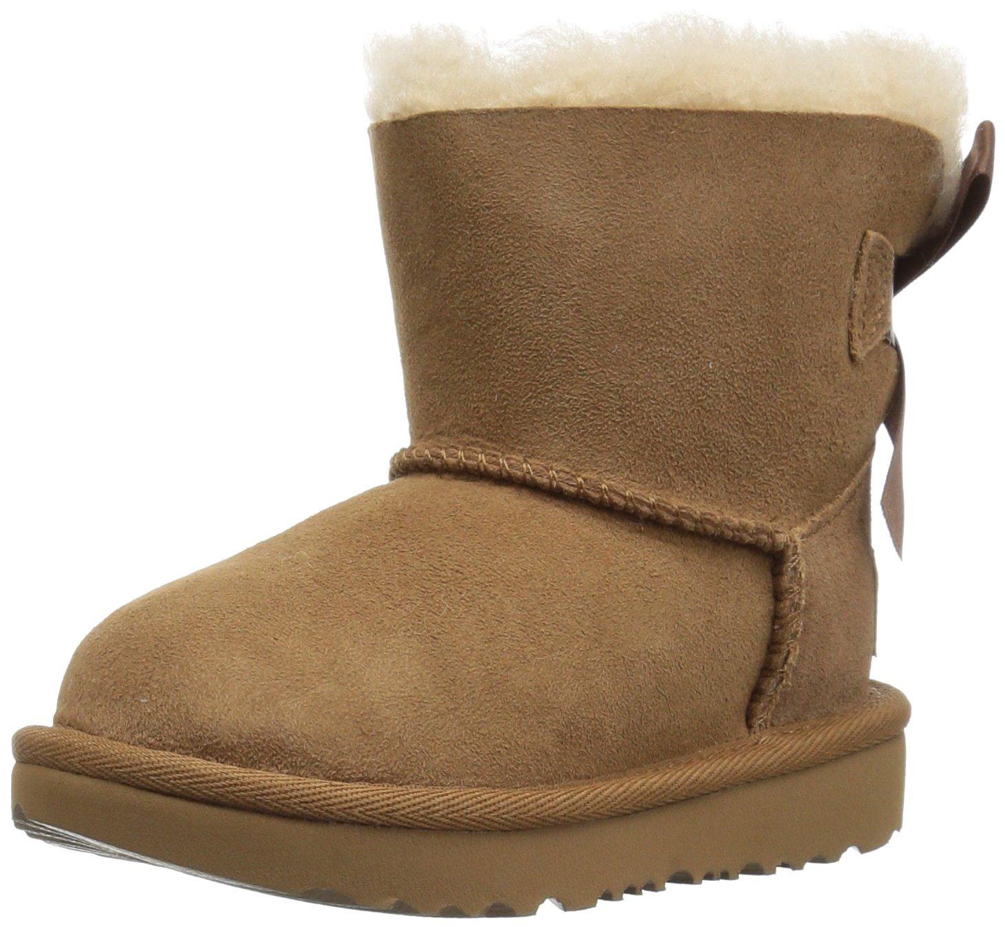 UGG Girls T Mini Bailey Bow II Pull-on Boot, Chestnut, 11 M US Little Kid