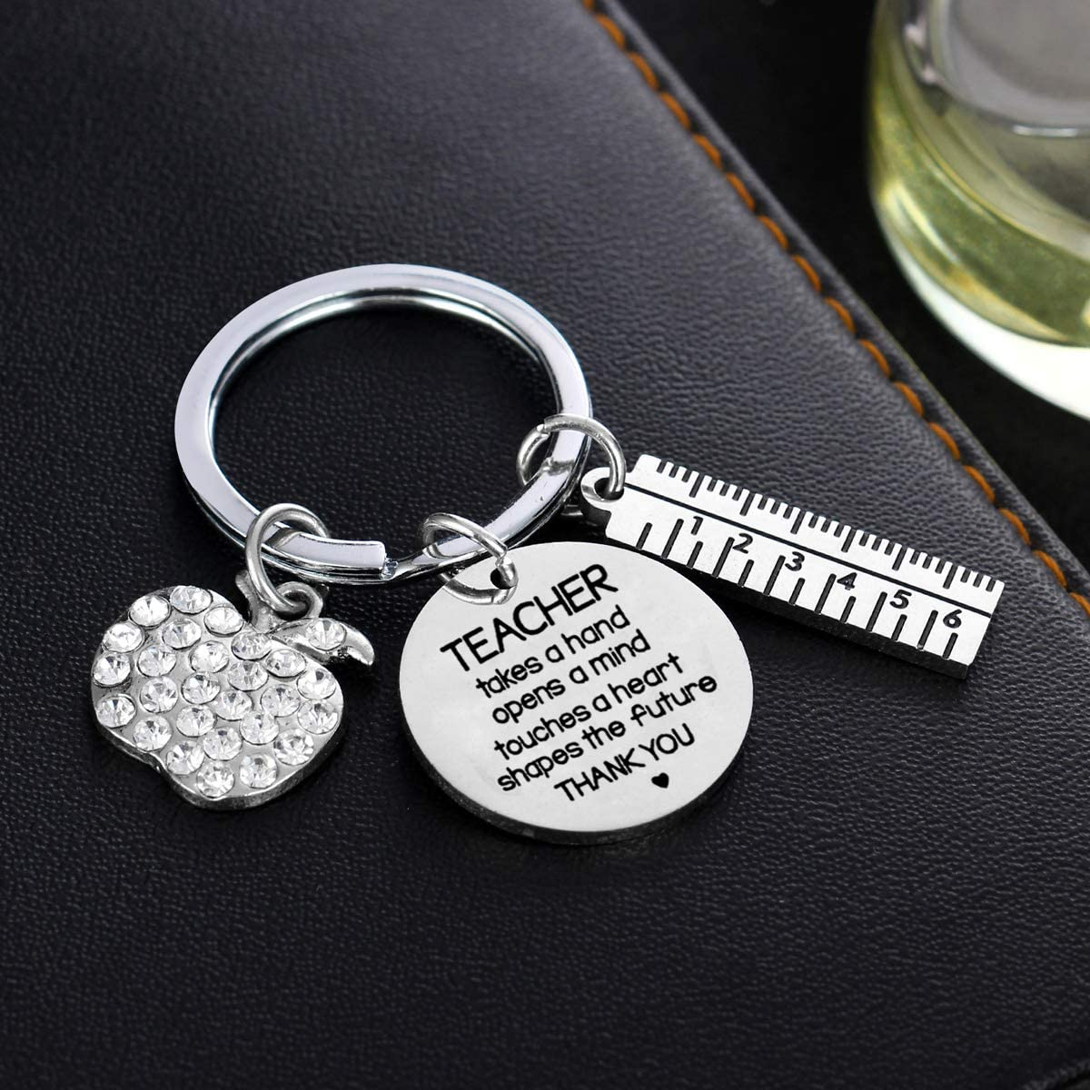 A Great Teacher is Hard to find Teacher Gifts Teachers Keychain Jewellery Thank You Gifts for Women Men from Graduates Students