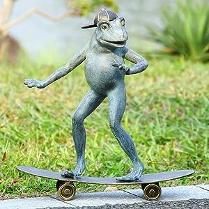 SPI Aluminum Radical Skateboarding Frog Garden Statue