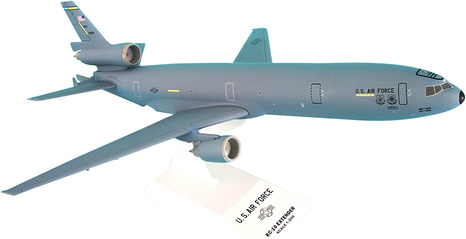 Daron Skymarks KC-10 USAF McGuire AFT New Livery Airplane Model Building Kit 1//200-Scale