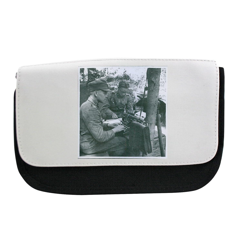 finnish-russian Guerra 1941soldiers escribir algo en la máquina de escribir, otro soldado looking. Pencil Case: Amazon.es: Hogar