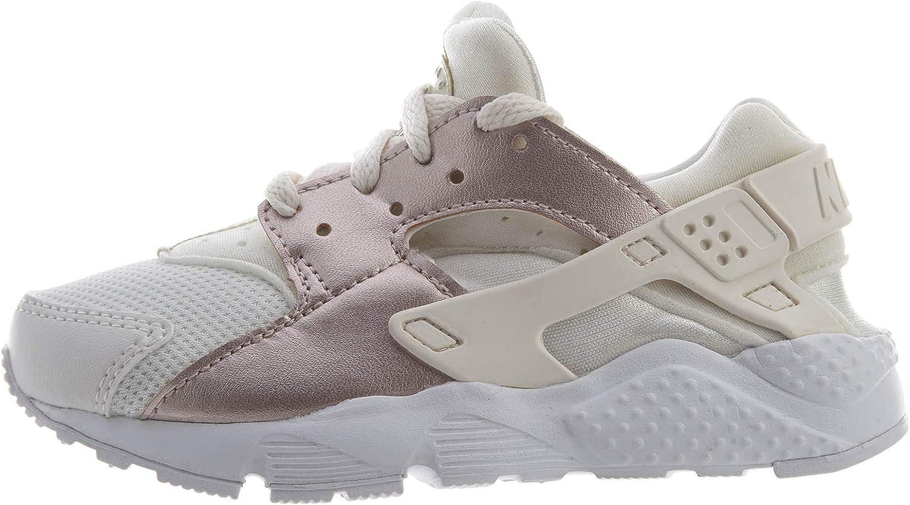 Amazon.com | Nike Huarache Run Little Kids Style: 704951-014 Size ...