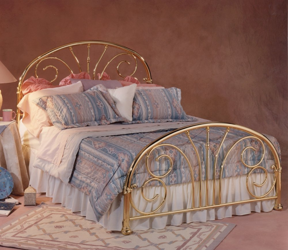 amazoncom hillsdale furniture 1070bqr jackson bed set with rails queen classic brass plate kitchen u0026 dining