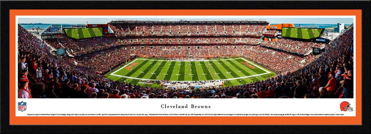 Cleveland Browns – 50 Yard Line at firstengergy Stadium – BlakewayパノラマNFL印刷  チームカラーのシングルマット付きセレクトフレーム B0773VWQMZ