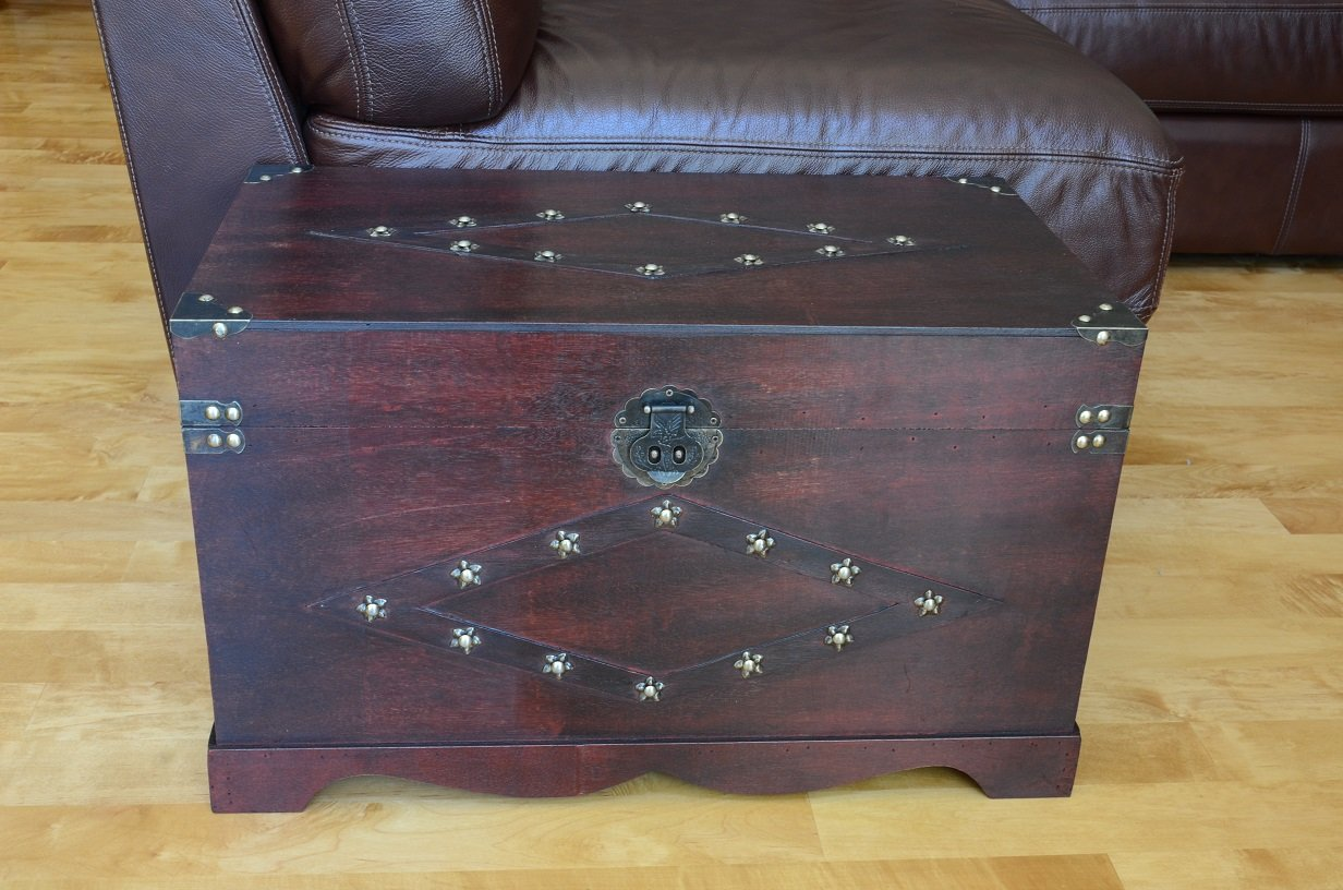Jamestown Chest Wooden Steamer Trunk - Medium Trunk