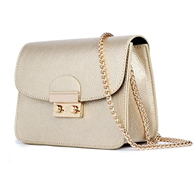 Image Unavailable. Image not available for. Color  Chain Bags for Women  Metallic Chain Purse Crossbody Gold Clutch Small Gold Purse in Mini Size 17d5b22ee6
