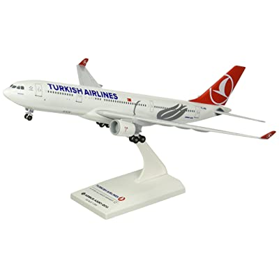 Daron Skymarks Turkish A330-200 with Gear Model Kit (1/200 Scale): Toys & Games