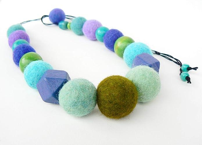 36dbbcfdbca0 Collar fieltro ecológico de lana merino ajustable Joyeria textil  contemporáneo Bijoux fibra y madera