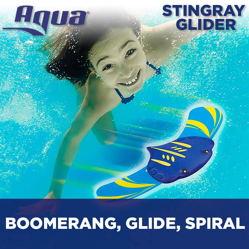 Amazon com aqua stingray underwater glider swimming pool toy self propelled adjustable fins travels up to 60 feet dive and retrieve pool toy toys