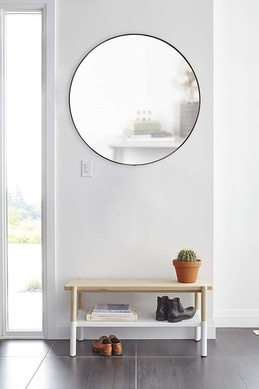 Umbra Hubba Runder Spiegel und Wanddeko f/ür Diele Badezimmer Wohnzimmer und Mehr Metall Messing 86 cm Durchmesser Wandspiegel