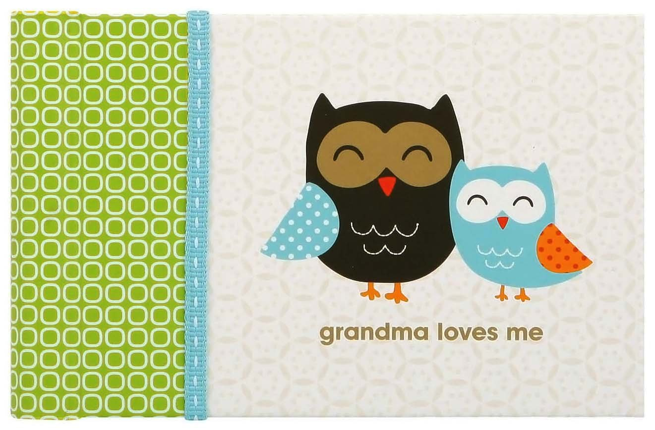C.R. Gibson Grandma's Brag Book, 10 Sheets/20 Pages, Measures 4.5'' x 7'' - Woodland