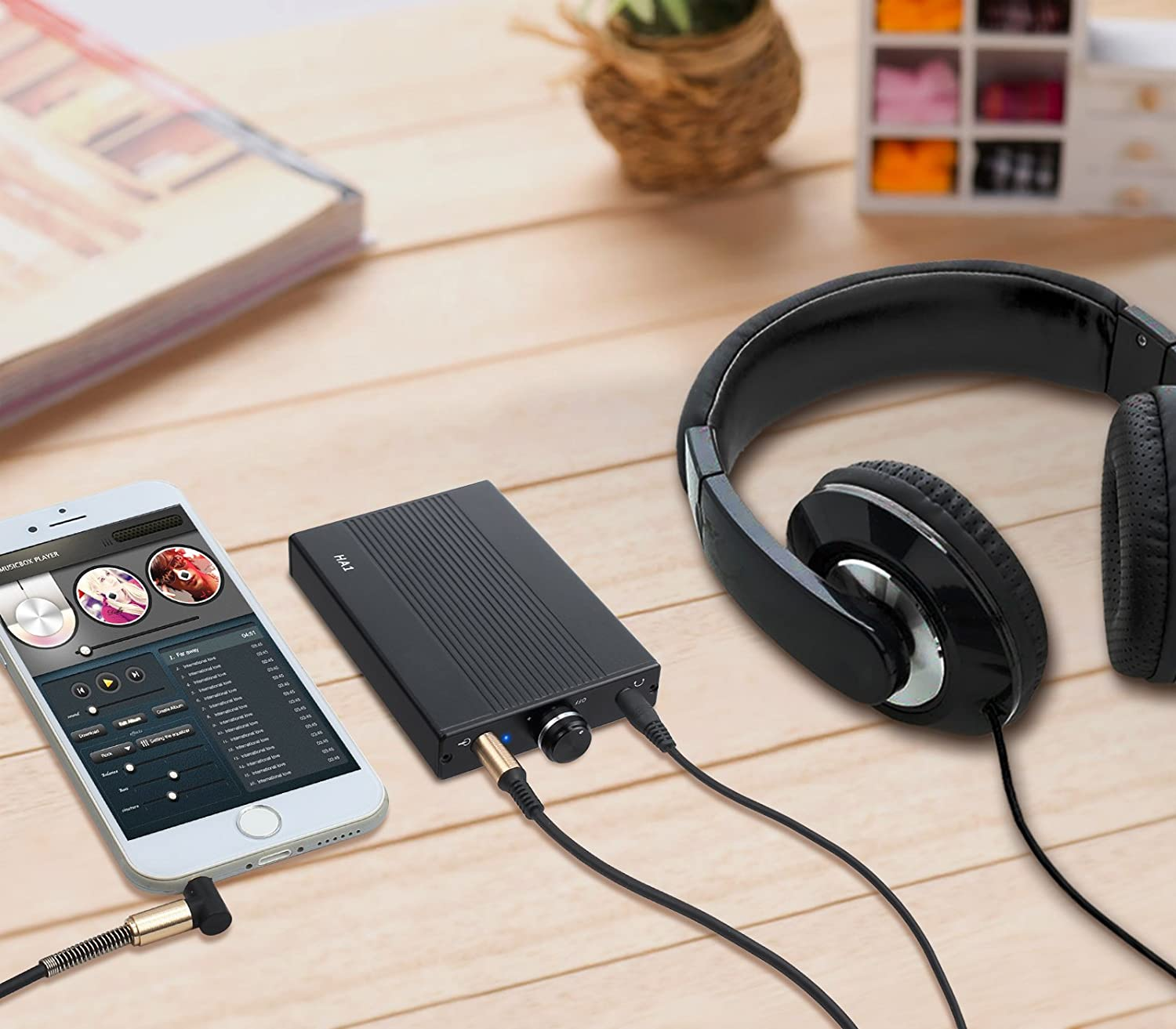 LiNKFOR Portable Headphone Amplifier with 2000mAH Lithium Battery Portable Headphone amp 3.5mm Audio Rechargeble HiFi Earphone Phones Audio Amplifier for MP3 MP4 Phone ipad and Computer