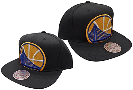 newest 486a3 1f849 Image Unavailable. Image not available for. Color  Golden State Warriors  Mitchell   Ness Black Logo Cropped Mesh XL Snapback ...