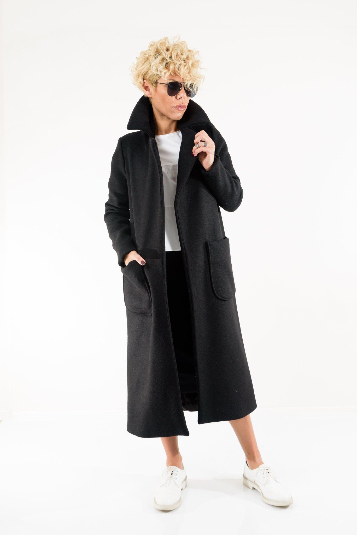 LOCKERROOM Women Extravagant Black Loose Maxi Coat With Big Front Pockets High Collar and lining