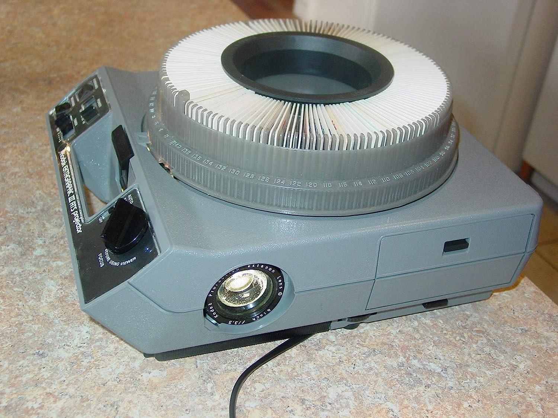 Kodak Ektagraphic III AT Slide Projector : Camera & Photo