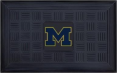 Amazon Com Fanmats 11365 Ncaa University Of Michigan Wolverines Vinyl Door Mat 19 X30 Automotive
