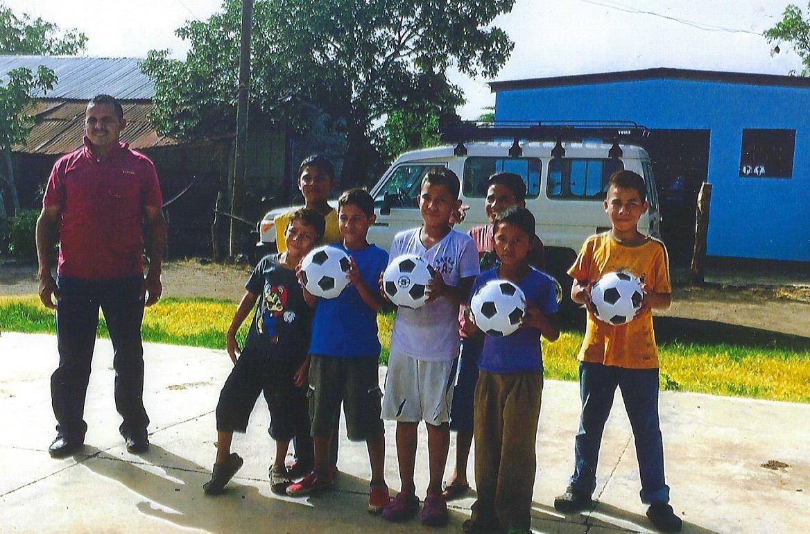 (Lot of 12) Soccer Balls Size 5 Bulk Wholesale