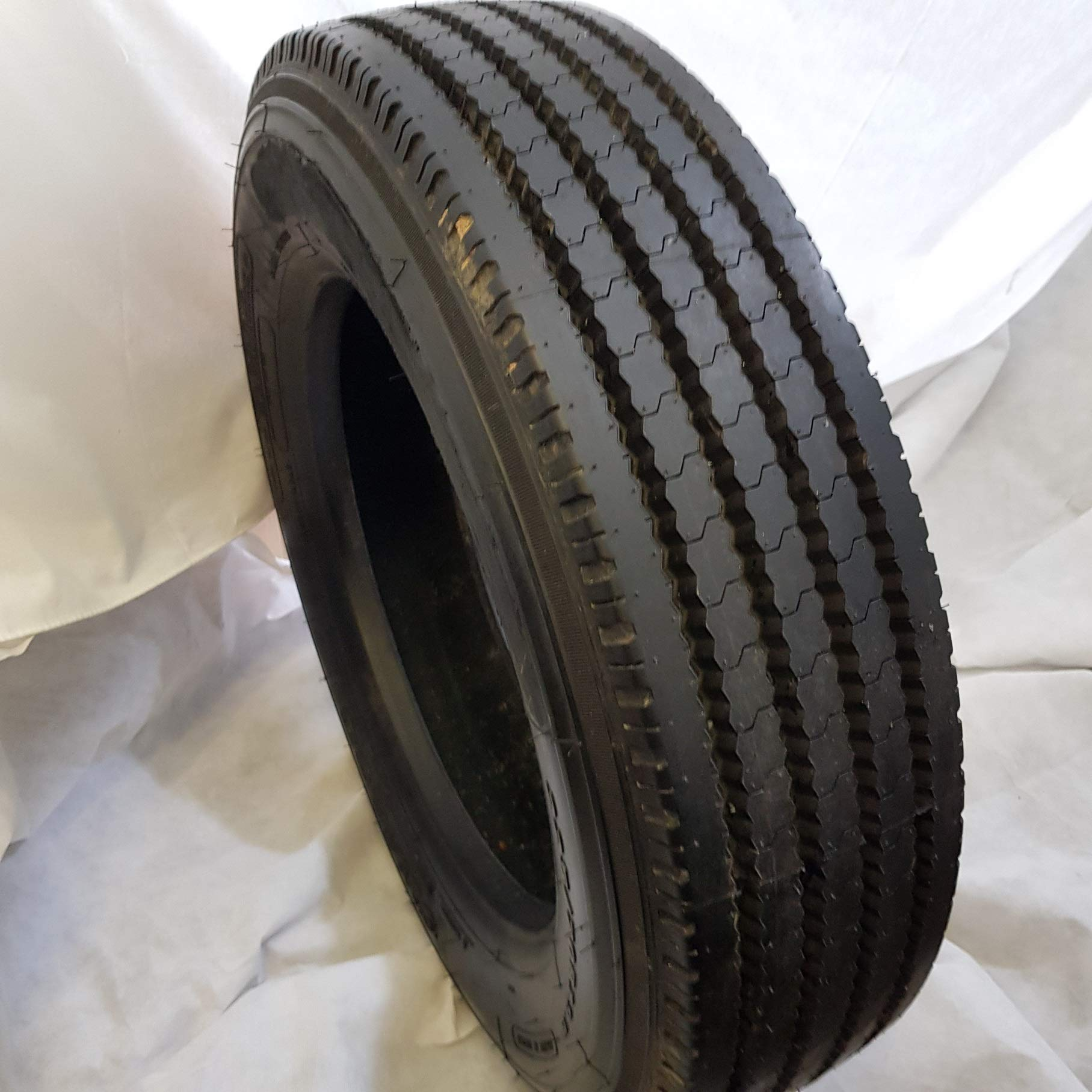 (1-TIRE) 225/70R19.5 ROAD WARRIOR # AW9 - F820 STEER ALL POSITIONS RADIAL TIRE 14 PLY 128/126M HEAVY DUTY 22570195